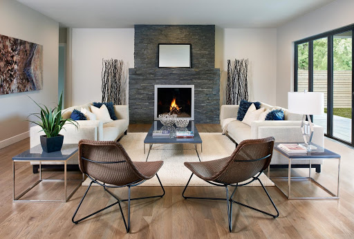 COMPLIMENTARY HOME STAGING!