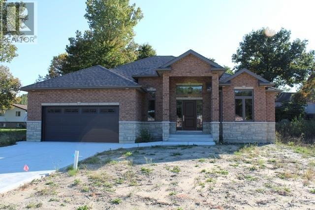 1379 Clearwater, Windsor, Ontario  N9P 0E9 - Photo 1 - 18007369